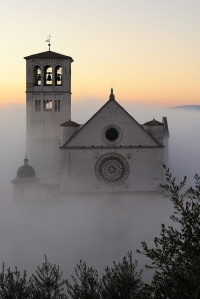 assisi in fog